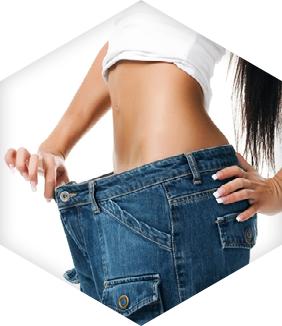 דוגמנית שעברה עיצוב הגוף לאחר ירידה במשקל